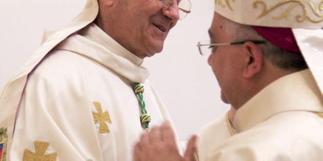 Buon compleanno Eccellenza! L'augurio del Vescovo Giuseppe per Mons. Illiano