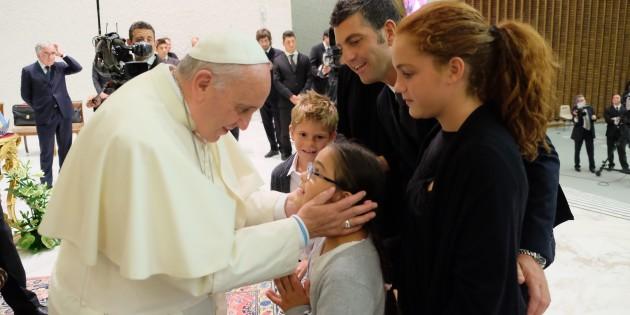 Amoris Laetitia. Papa: misericordia e integrazione per tutte le famiglie