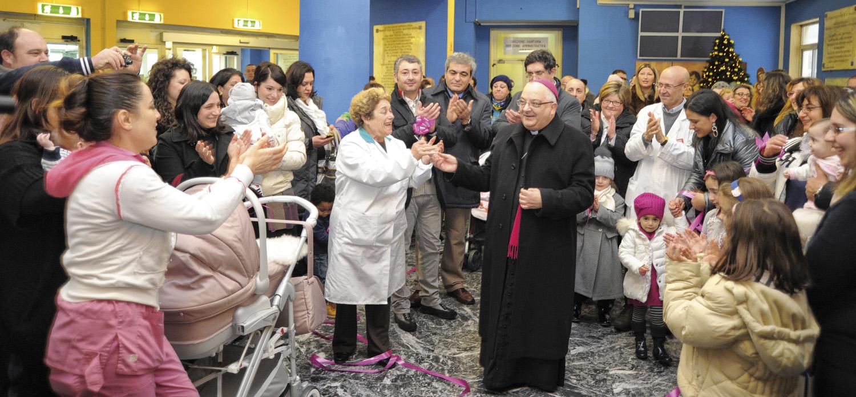 """19 dicembre 2012 – Prima Messa alla Terapia intensiva neonatale dell'ospedale """"Umberto I"""" di Nocera Inferiore."""
