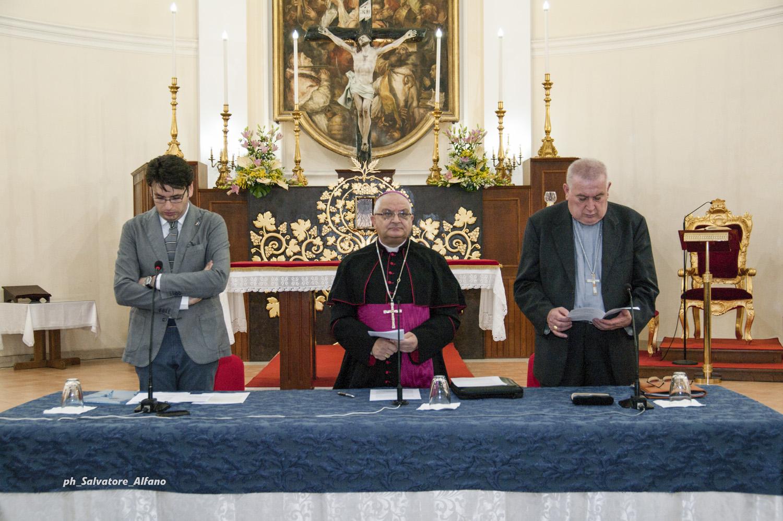 18 giugno 2015 – Sosta ecclesiale con il relatore Monsignor Franco Giulio Brambilla, Vescovo di Novara.