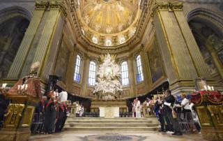L'altare maggiore della Cattedrale di Napoli